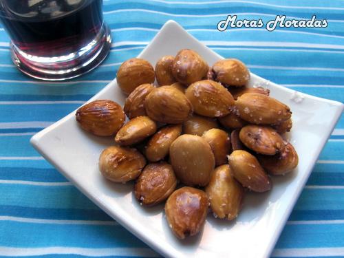 Tapas f ciles almendras fritas saladas moras moradas for Tapas faciles y buenas